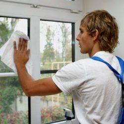 Чем лучше всего чистить пластиковые окна?